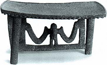 Flying-Panel Metate
