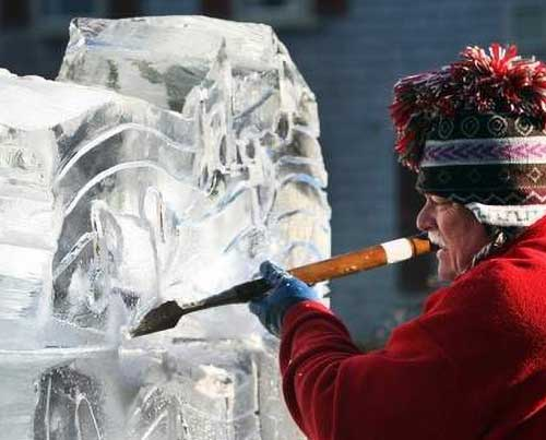 Chip Koser sculpting ice
